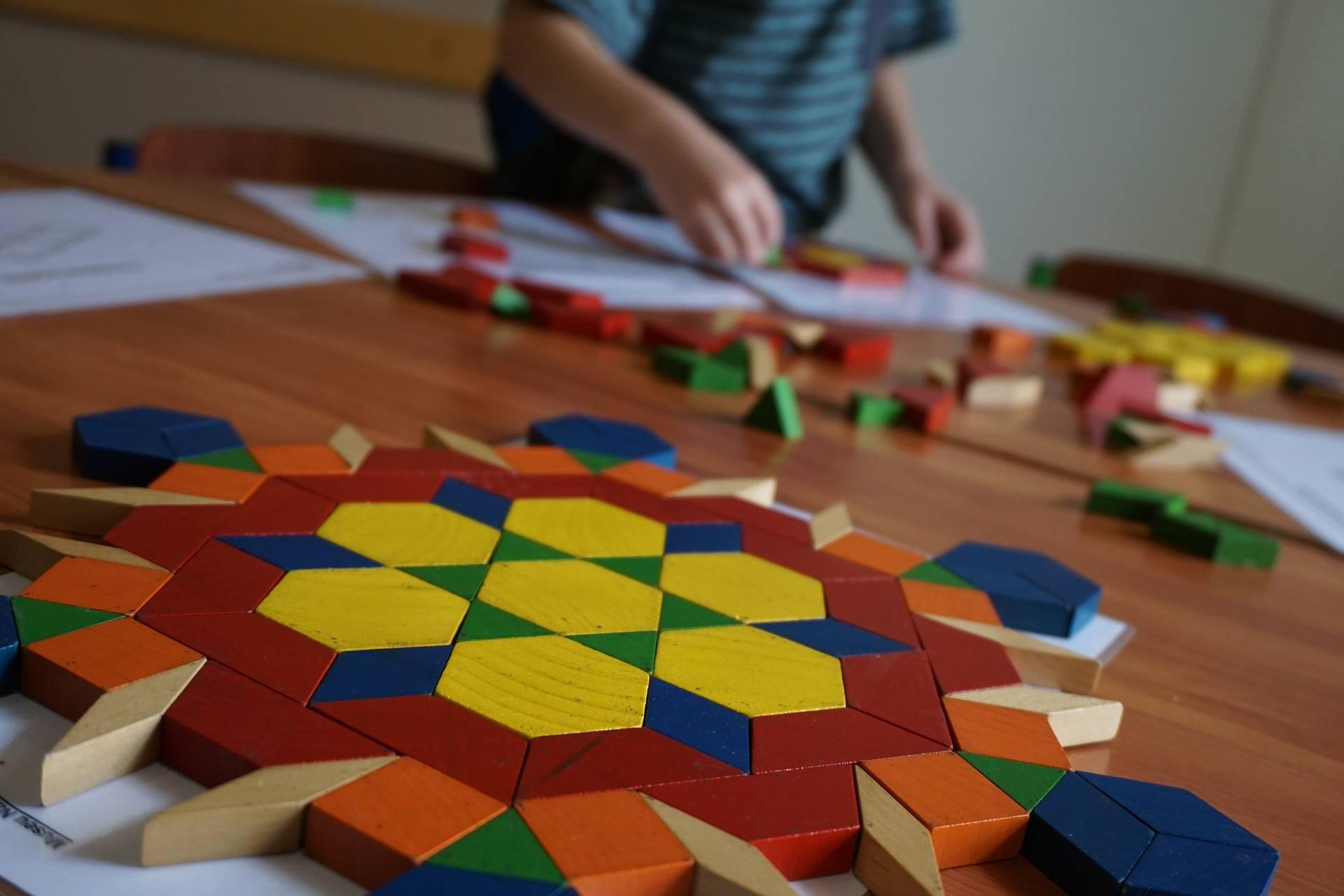 Giochi Da Fare In Casa Con I Bambini Organizzati Per Età