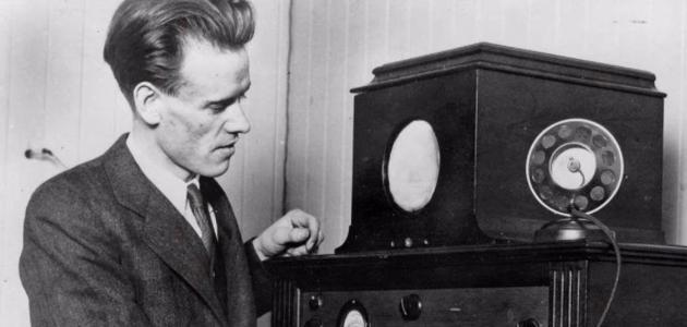 متى اخترع التلفاز - سطور