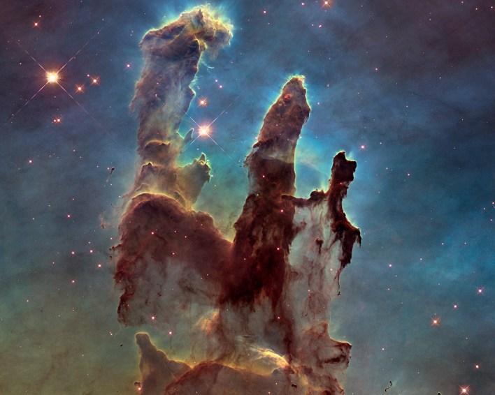 Nebulosa de Águia - Pilares da Criação registrada por Hubble