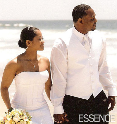 Niecy-nash-wedding-photo-essence-tlc