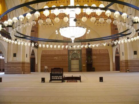 009 - Al-Fateh-Mosque-in-Manama-Bahrain-(interior)