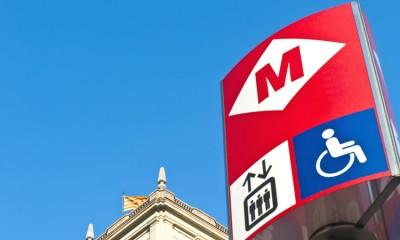 Barcelona Metro signage