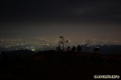 Bandung, ramai dibawah, sepi di atas! Ini lokasinya di Bukit Moko Bandung Jawa Barat ya.