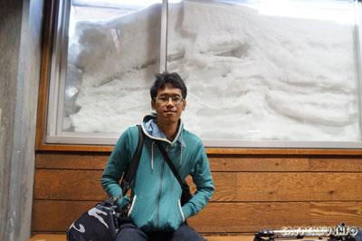 Belakang saya itu salju loh! :D