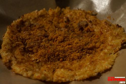 Kedua kalinya saya makan Kerak Telor, yang ini dibuatin langsung sama Pak Bondan :D