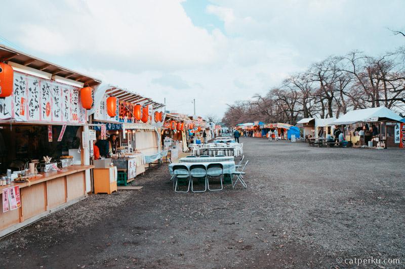 Pasar malam menyambut Hanami di Kakunodate.