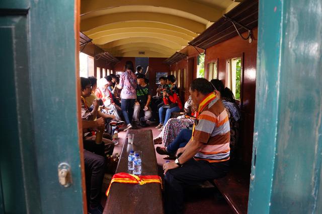 Salah satu gerbong penumpang Sepur Klutuk Jaladara.