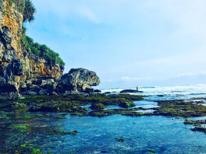 Lots of Gunungkidul Hidden Beaches You Can Visit via @dinawan_saputra