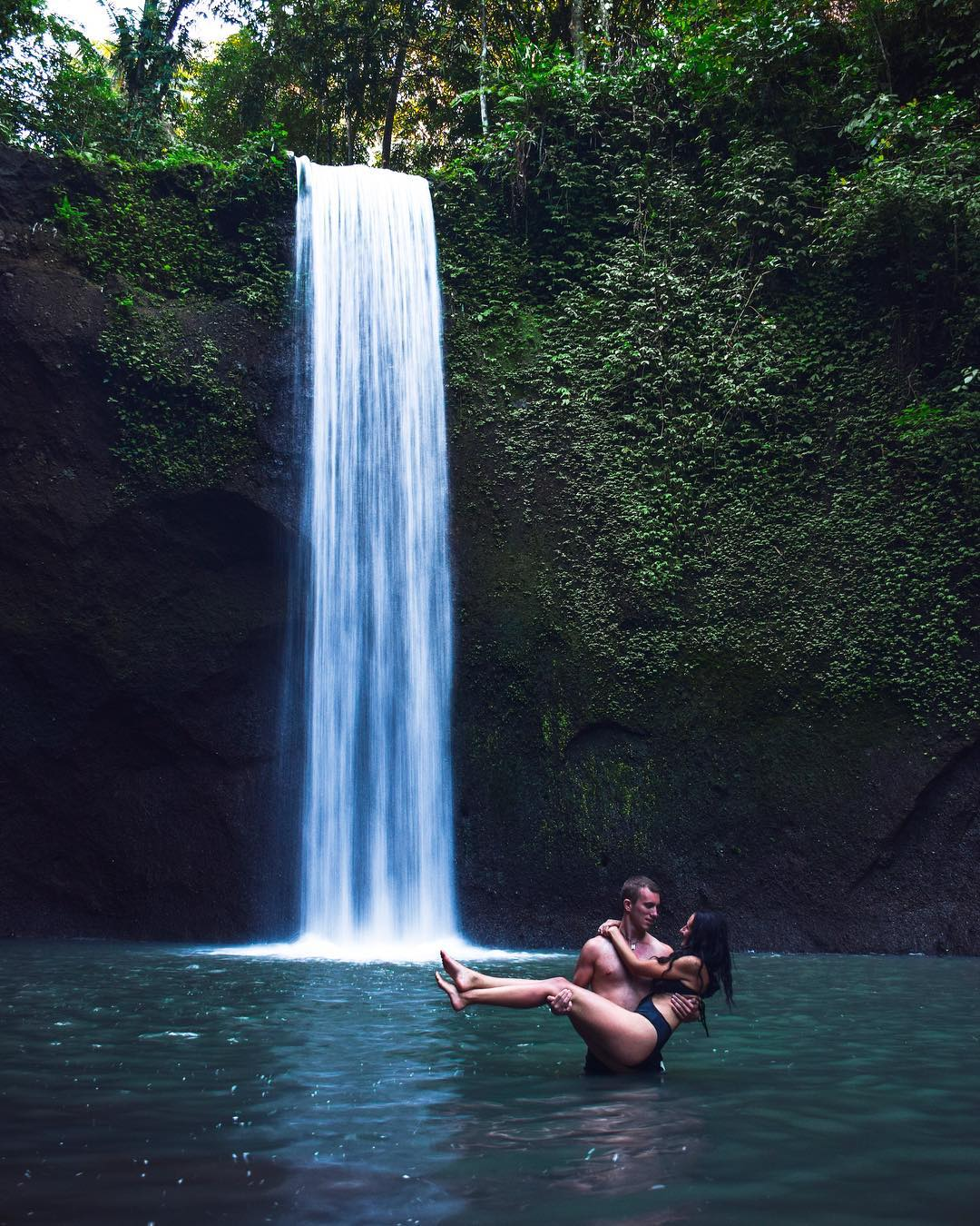 Not far from Goa Rangeng, just down to the border of Gianyar and Bangli Regencies, it only takes about 9 minutes (4.1 km) to Tibumana Waterfall Bali. via @mojcabrus