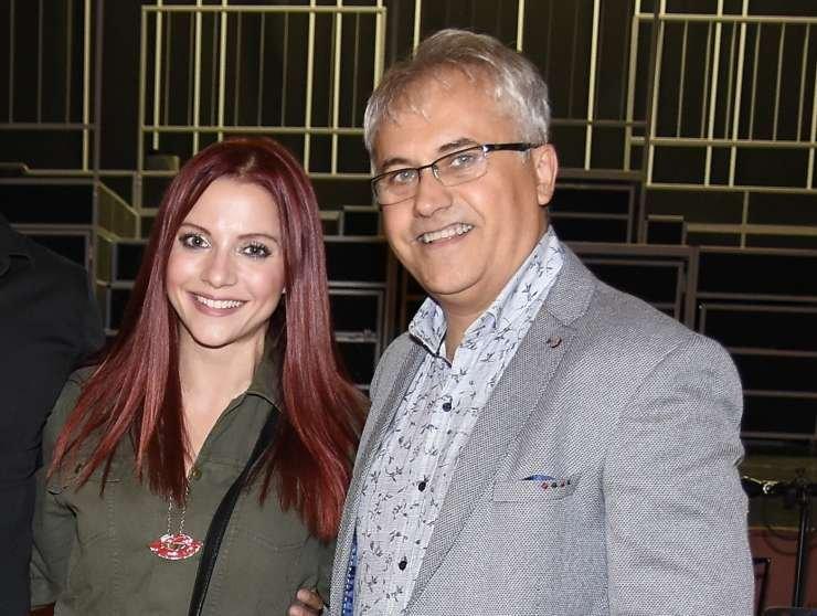 Priljubljena slovenska pevka Tanja Žagar je spet postala mamica, s partnerjem Mikijem Šarcem sta se tokrat razveselila deklice, rojstvo pa je zagotovo razveselilo tudi prvorojenca, sinčka Karla. Ime novorojenke je Marina.