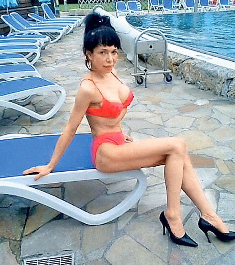 Sonja Plešnar je pred leti že polnila slovenske medije, a se je leta 2012 kar naenkrat umaknila s slovenske scene in za skoraj deset let poniknila. Sonja se je pred desetletjem v medijih pojavila kot modna oblikovalka, ki je sodelovala celo z Urško Čepin.