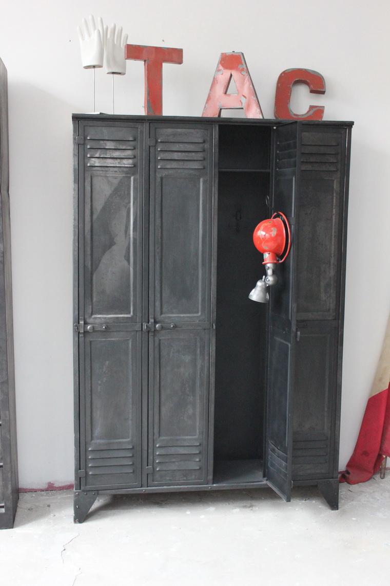 Ancien Vestiaire Dusine 4 Portes Des Annes 40 Entirement