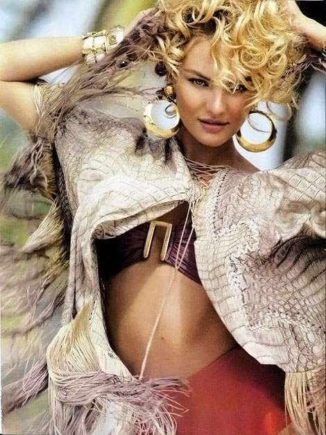 Candice Swanepoel Looking Great With Curly Hair StyleFrizz