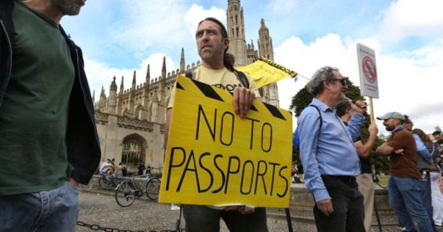 Wielka Brytania: Po rzekomym zniesieniu paszportu Covid, teraz wyjaśniono, że powinien on nadejść