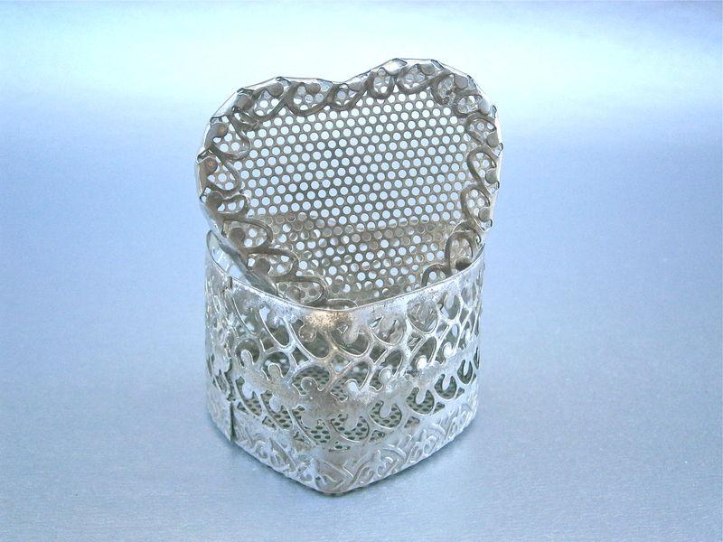 Vintage Filigree Heart Shape Box Trinket Souvenir Silver