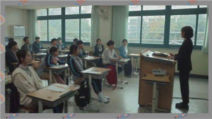 Salah satu adegan Black Dog Being A Teacher (2018 - 2020)