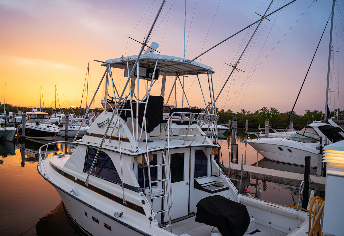 https swflrelocationguide com things to do sports marinas and yacht clubs in lee county