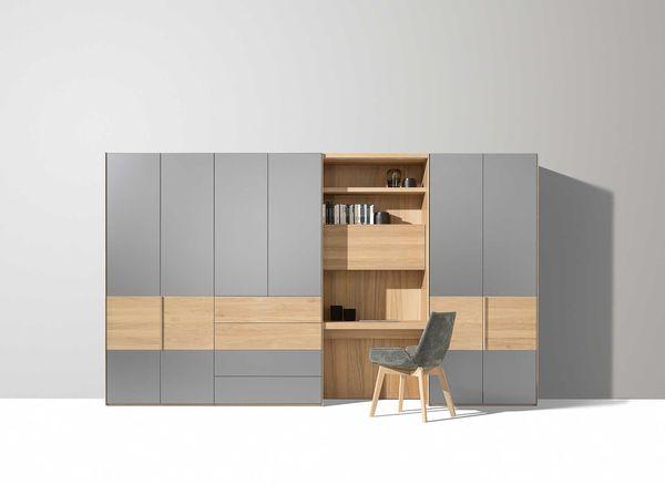 armoires a portes pivotantes en bois