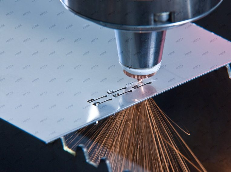 Laser Fusion Cutting