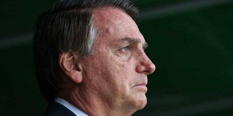 Alexandre de Moraes 'aguarda o momento para me aplicar uma sanção restritiva', diz Bolsonaro