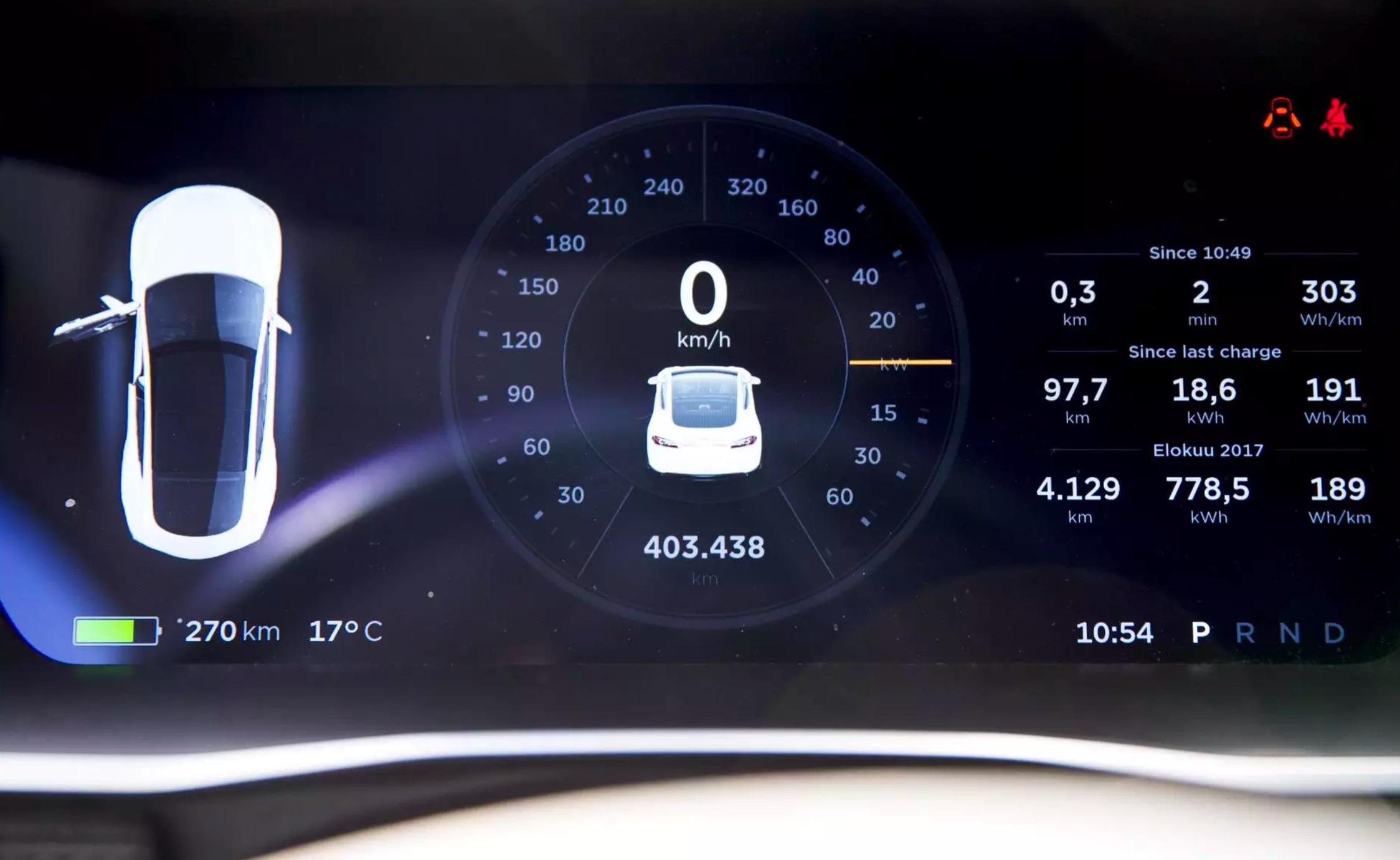 Finnish Tesla Model S Taxi Driver Crosses 400000 Km 93