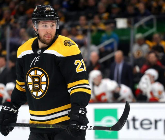 Lacking Energy Nick Ritchie Underwhelms In His Bruins Debut The