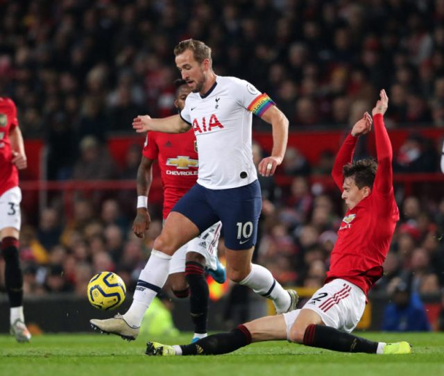 Why Trying To Sign Kane Is So Complicated For Manchester United