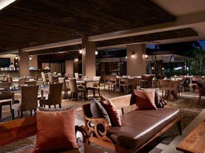Pavoz Restaurant & Bar | The Bali Bible