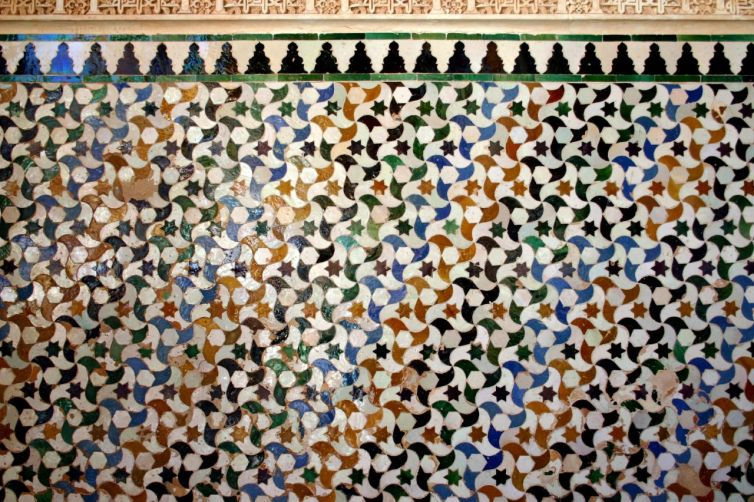 Tiles at the Alhambra. Credit: Wikimedia Commons. CC BY-SA