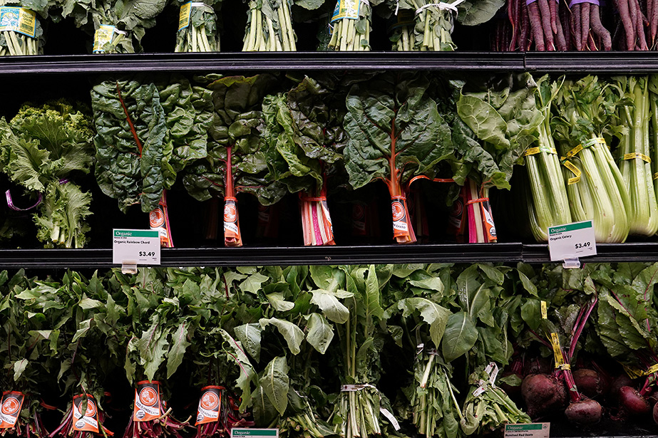 Amazon dives into groceries with Whole Foods: Five questions answered file 20170618 28797 14j0q5r