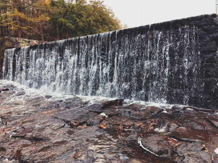Burr Falls, Connecticut