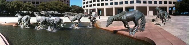 The Mustangs of Las Colinas | © Wesley Fryer/WikiCommons