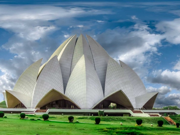Lotus Temple Delhi top 10 most beautiful cities in india just info check