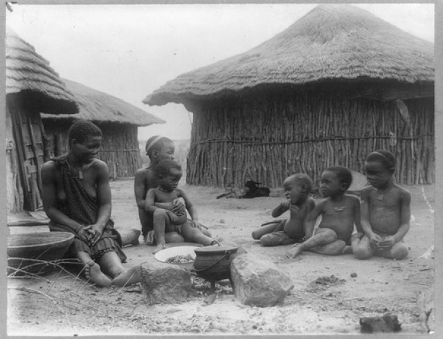 African life in Rhodesia under colonialism | © pingnews/Flickr