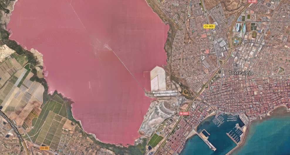 Spains Pink Water Lake Las Salinas De Torrevieja