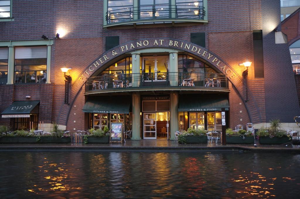 7 Great Canalside Bars In Birmingham UK
