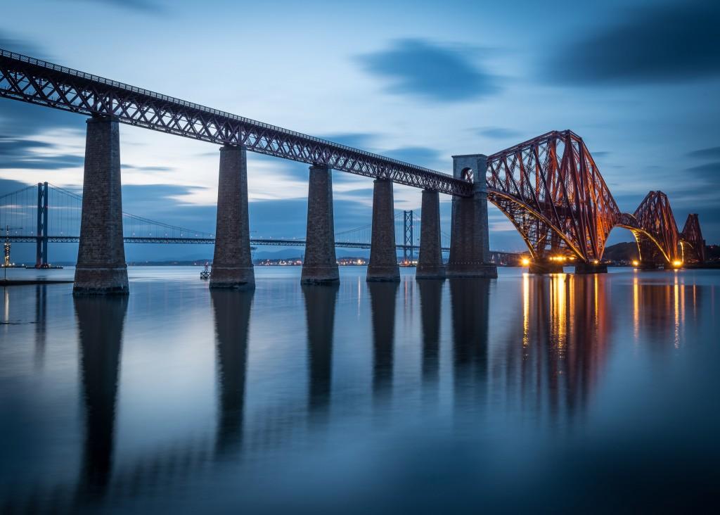 10 Fascinating Historical Landmarks To See In Edinburgh