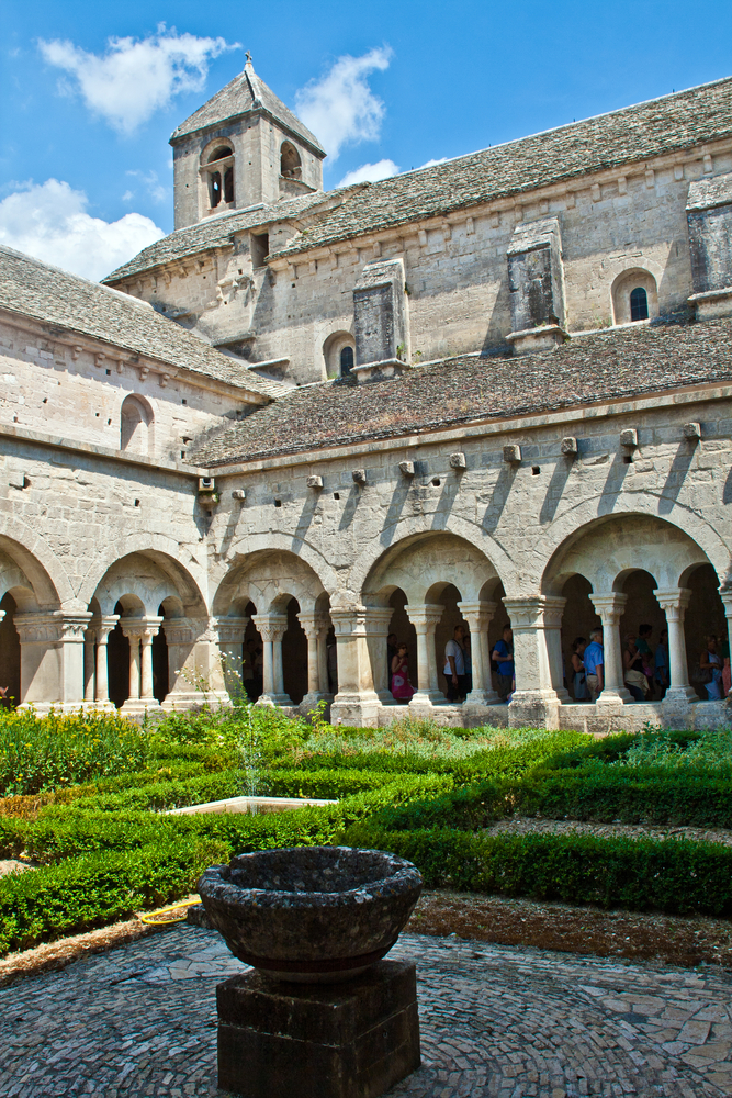 How To Spend A Day In Provences Sublime Snanque Abbey