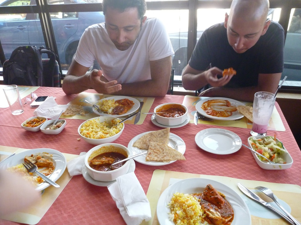 India Dining Etiquette The Dos And Don Ts