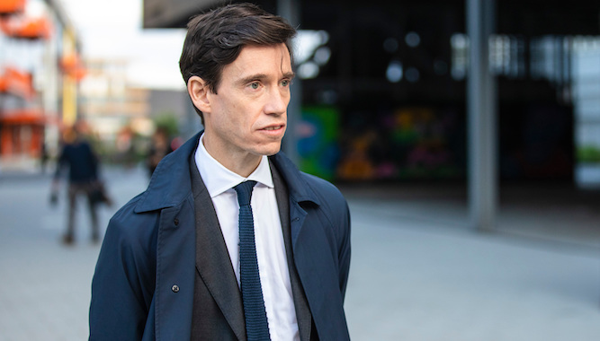 Rory Stewart is 'active MI6 agent infiltrating extreme right-wing organisation'