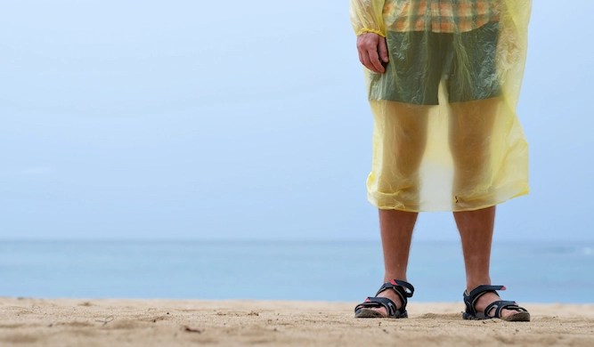 Man refuses to accept it is too cold for shorts