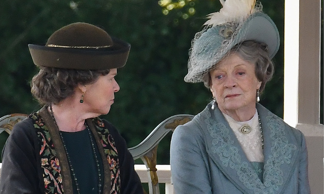Woman queuing for Downton Abbey realises she cannot remember a single character