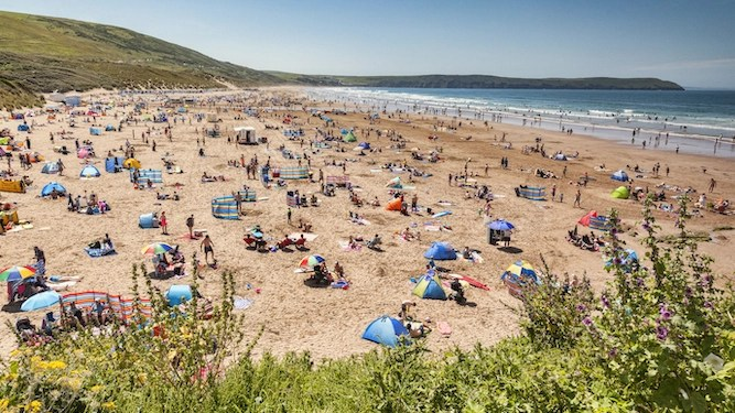 Your guide to being a coronavirus twat at the seaside