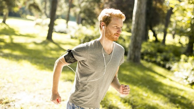 Amazing man can run 10k without being sponsored