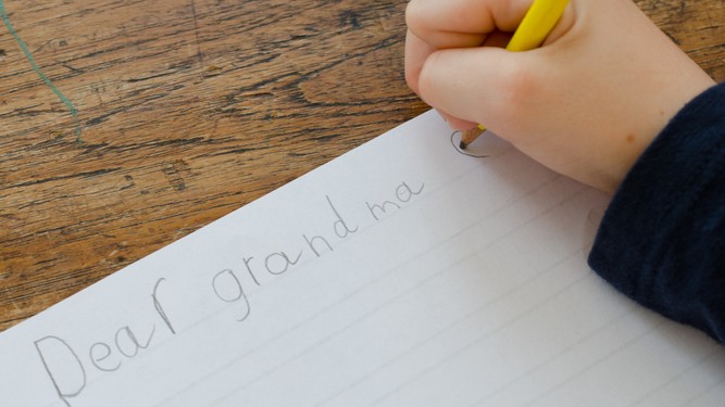 Mum unable to eat or sleep until kids write 'thank you' letters