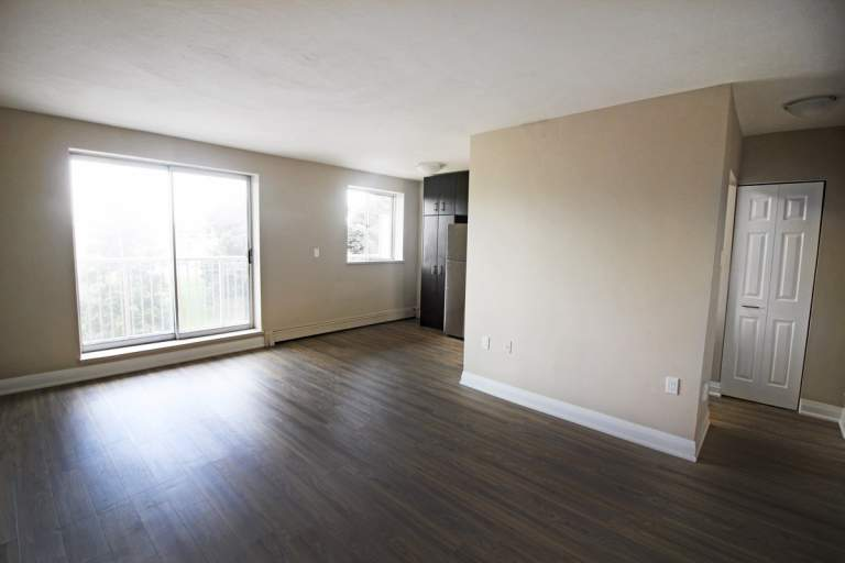 718 Lawrence Bachelor 1 Amp 2 Bedroom Apartments CLV Group
