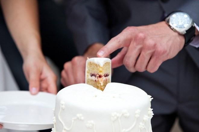 Afbeeldingsresultaat voor witte bruidstaart