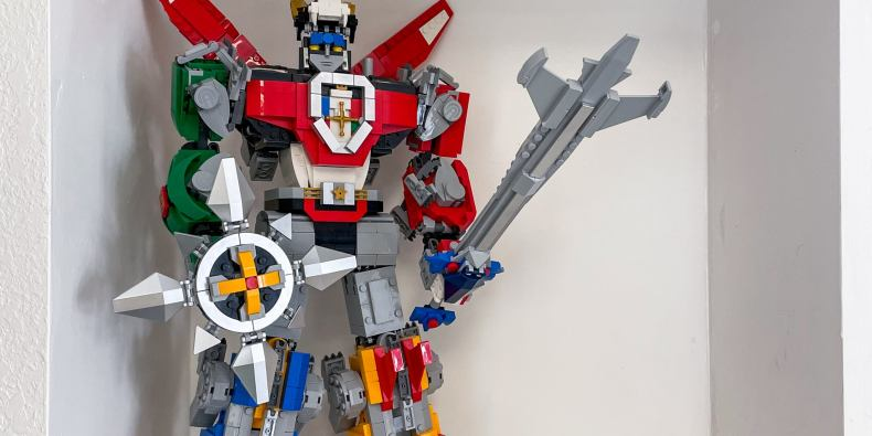 The Lego Voltron 21311, shown fully assembled.