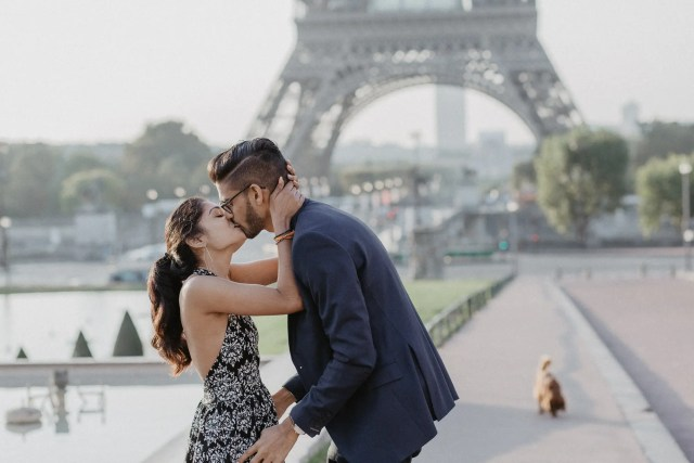 kiss surprise proposal photography paris