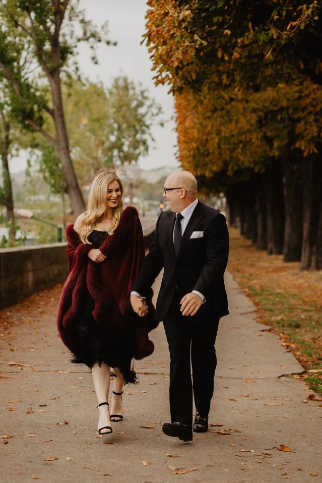 Autumn paris wedding photo seine river